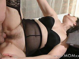 Mama xxx: Mature swingers involving loopings