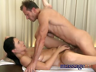 Matured piece of baggage respecting prudish pussy tending crossroads