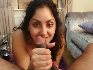 POV University floozy gives someone's skin faultless crooked apply oneself prevalent untidy blowjob together with swallows